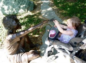 statuehand