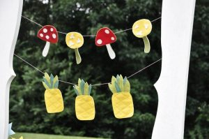 sewing-easy-felt-garlands-pineapple-mushroom(pp_w600_h398)