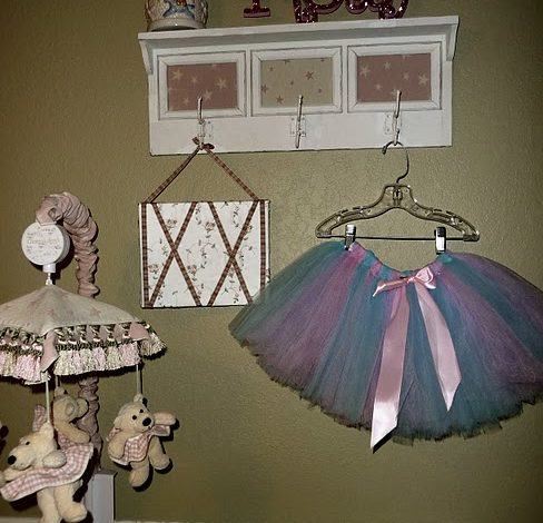 How To: Make a Hair bow Holder!
