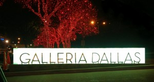 A Galleria Dallas Christmas: Holidays in DFW