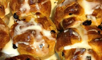 How to make Hot Cross Buns (Video)
