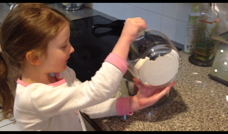 How to make play doh – a Video that makes it EASY!