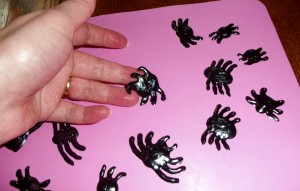 Halloween Craft: Make your own Gel Spiders!