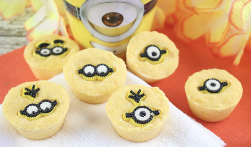 Minion inspired Bath Bombs {DIY}