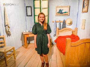 Step inside Van gogh painting